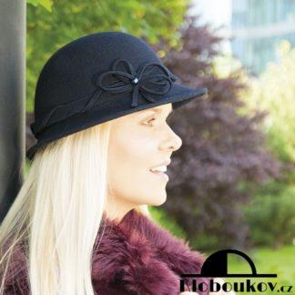 Dámský vlněný klobouk pro podzim a zimu
