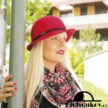 Dámský společenský klobouk s páskem