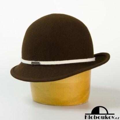 Dámský hnědý společenský klobouk s páskem