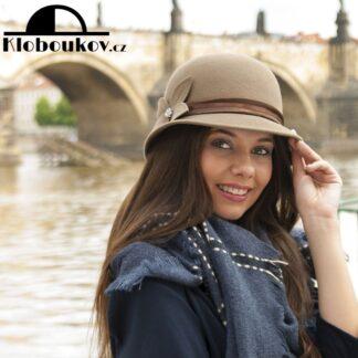 Dámský hnědý plstěný společenský klobouk