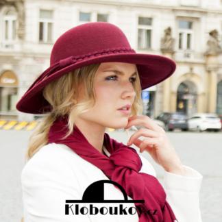 Vínový dámský vlněný klobouk se širokou krempou