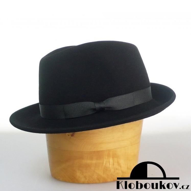Stylový pánský plstěný klobouk typu Trilby nejen na golf 0010894a7f