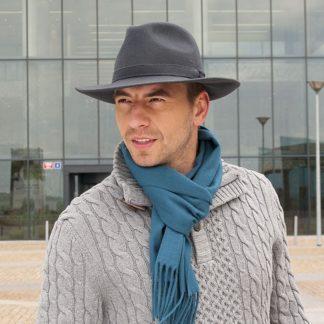 ... Pánský klobouk Fedora splňující trend business casual dress code 8e36eb95f1