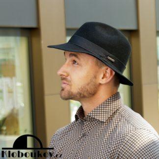 Pánský vlněný klobouk vhodný i k obleku či kabátu