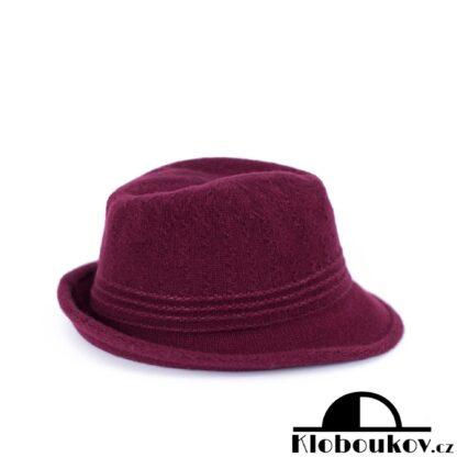 Dámský vínový klobouk Trilby nejen na podzimní dostihy